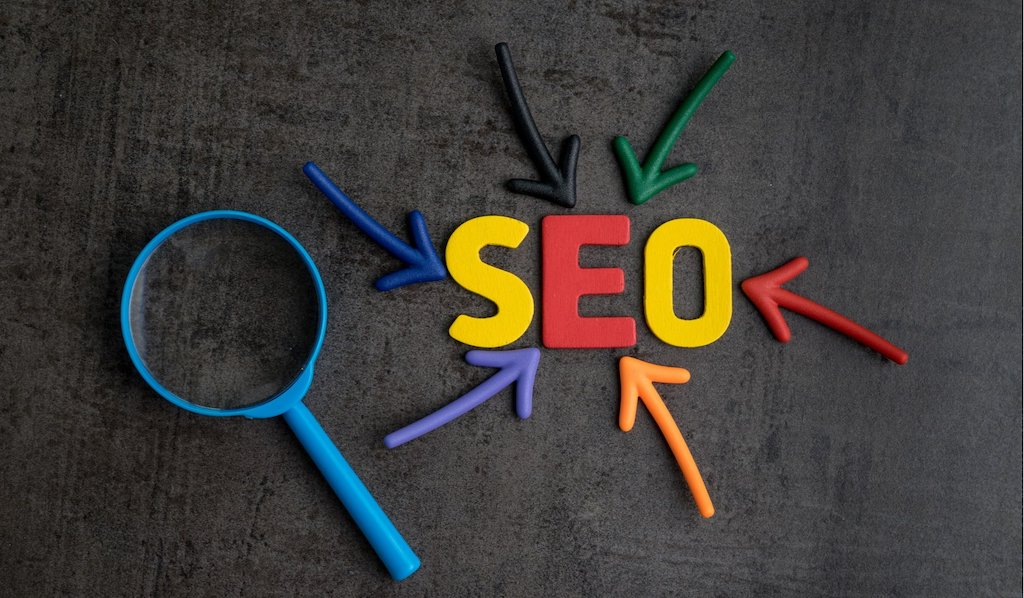 9-conseils-seo-entreprises-2020-design975-creation-site-web